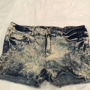 Pants - Booty shorts